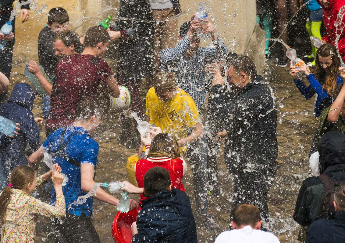 LANJARON SAYS GOODBYE TO SPRING WITH THE WATER FESTIVAL